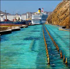 Muscat Oman - Una nave nella fontana ?! - (502)