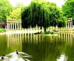 La naumachie du Parc Monceau