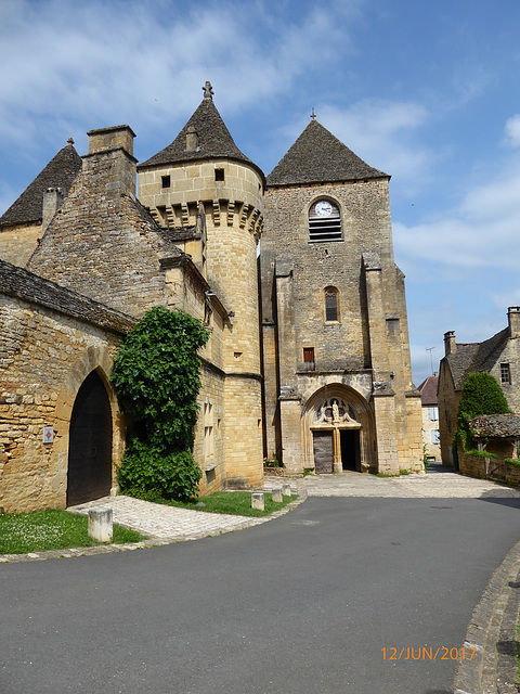 SAINT GENiES Dordogne