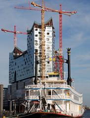 Elbphilharmonie im Bau:   März 2011