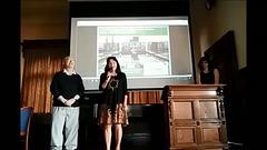 Direktorino de la Urba Muzeo kaj Galerio en Svitavy Blanka Čuhelová resume pri la Esperanto-Muzeo