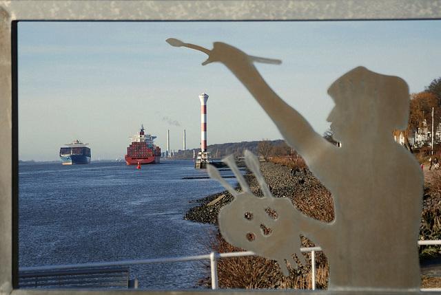 Marinemaler an der Elbe