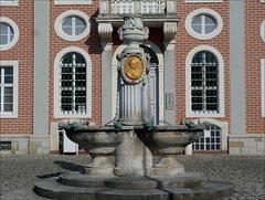 Schneckenbrunnen vor dem Amtsgericht Bruchsal