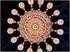 Mascate : il grande lampadario della moskea Sultan Qaboos visto da sotto