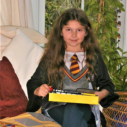 Chloe in her Harry Potter outfit
