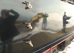 Spiegelung am Wasserkasten der Dampflok (PiP)