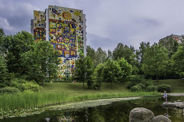 Bemaltes Wohnhaus an der Markersdorfer Oase