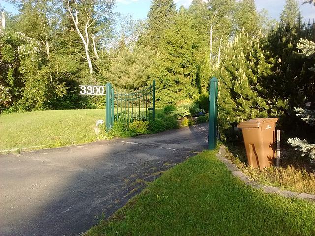 3300 Chemin du Mont Loup Garou