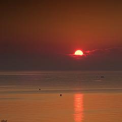 le bonjour du soleil à la mer..