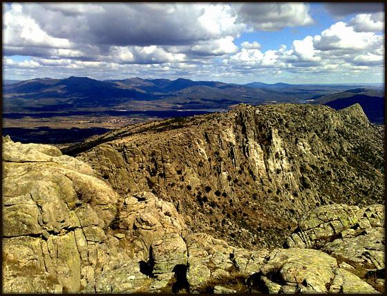 La Sierra de La Cabrera. A granite (and vulture guano) landscape!