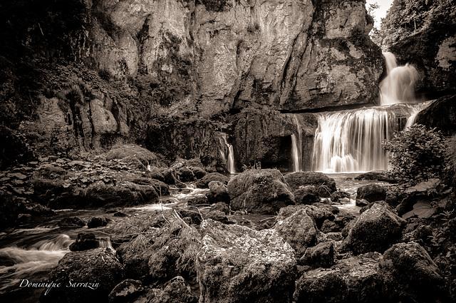 """Cascade de """" la Billaude"""" Jura"""