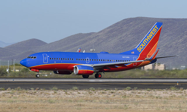 Southwest Airlines Boeing 737 N472WN