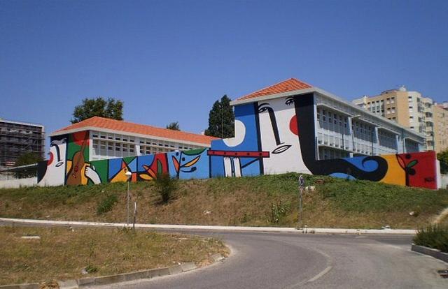 Mural by Muzai.