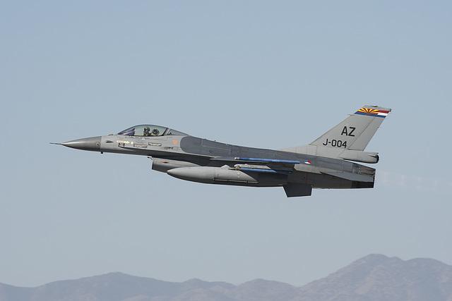 Royal Netherlands Air Force General Dynamics F-16A J-004 (88-0004)