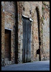 Doorway in bricks