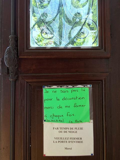 Il faut qu'une porte soit , ou verte , ou fermée .