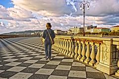 Diagonal stroll
