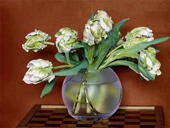 Tulpen in Kugelvase
