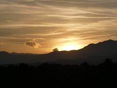 Sonnenuntergang über den Pyrenäen