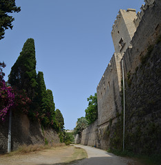 The Fortress of Rhodes, The Passage between the Walls