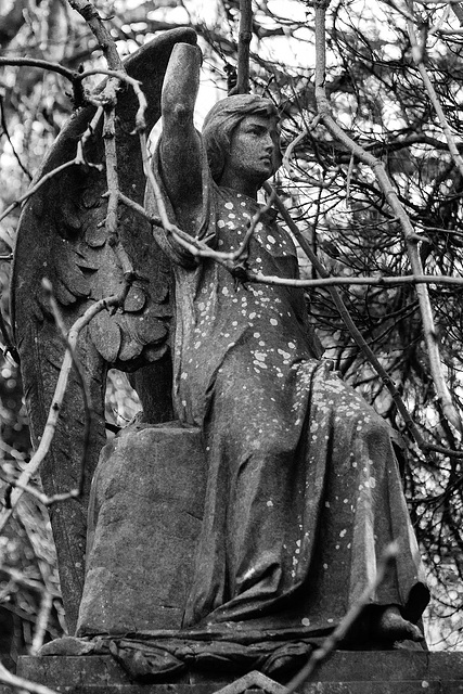 Angel, Cathcart Cemetery, East Renfrewshire