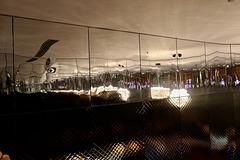 1T0A0857-Reflets dans des parois en inox