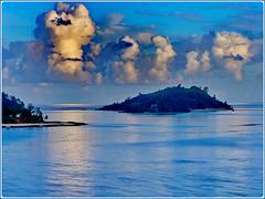 MAHE' : tante isole intorno e segnali di prossima pioggia