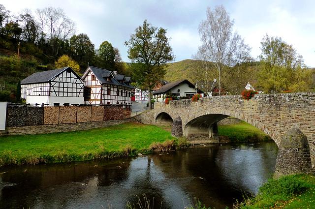 DE - Schuld - Bridge across the Ahr