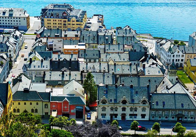 Alesund : i tetti della città - (568)