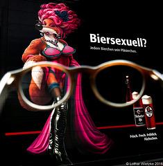 The 50 Images Project - 39/50-...only a short view to a beer promotion (Werbung auf einem Bierkuscher-Fahrzeug)