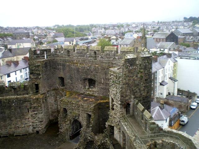 Overview towards Queen's Gate.