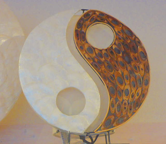 Yin und Yang als Lampe - lampo de Yin kaj Yang