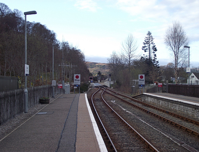 Garve station and crossing