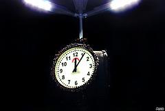Minuit-Six.