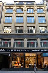 Das Henneberg-Haus an der Poststraße in Hamburg