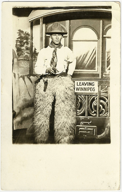 WP1887 WPG - LEAVING WINNIPEG (COWBOY)