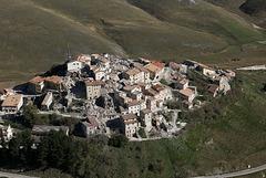 Castelluccio nach dem großen Erdbeben am Sonntag 7:21 Uhr  - 30.10.2016