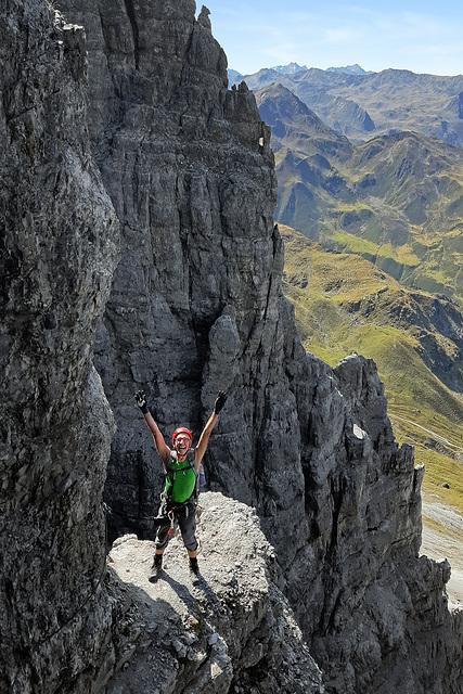 Climbing the Ox Wall (5)