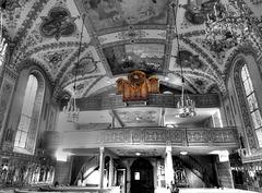 Die Rückseite mit den Emporen und der Orgel. ©UdoSm
