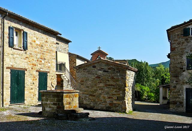 Valmarecchia - Secchiano (RN), loc: Ca' Rosello, delizioso borgo di origine medioevale.  -  Ca' Rosello medieval village (Ca' Rosello = house of Rosello also word pun)