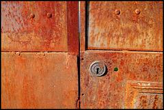 Vertus vieille porte rouillée