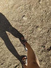 Nono et ses nouvelles pantoufles / Nono with her new new slippers (3)