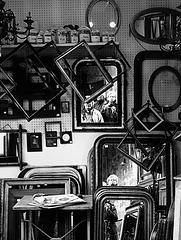 Miroirs aux alouettes .