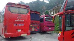 Thaco Mobilhome red bus & friends