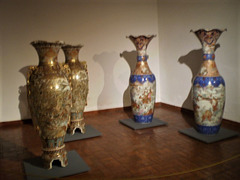 Japanese floor vases (late 19th to early 20th century).
