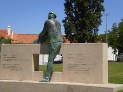Statue of Sebastião da Gama.