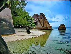 LA DIGUE, SEYCHELLES - i graniti sulla spiaggia