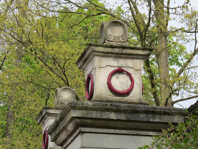 nunhead cemetery gates, london