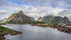 Reine - partially cloudy