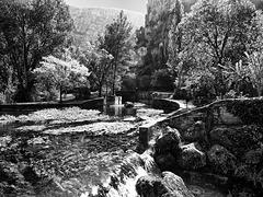 Fontaine de Vaucluse BW